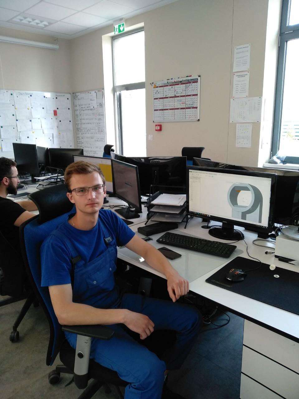 Студенты МСФ проходят практику на предприятиях Польши komp4.jpg