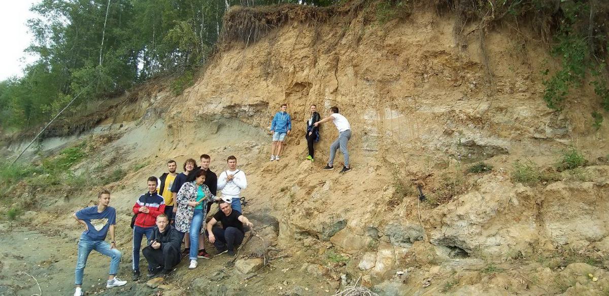 Геологическая практика или незабываемые приключения в горах 26_u_podnozhiya_obnazheniya.jpg