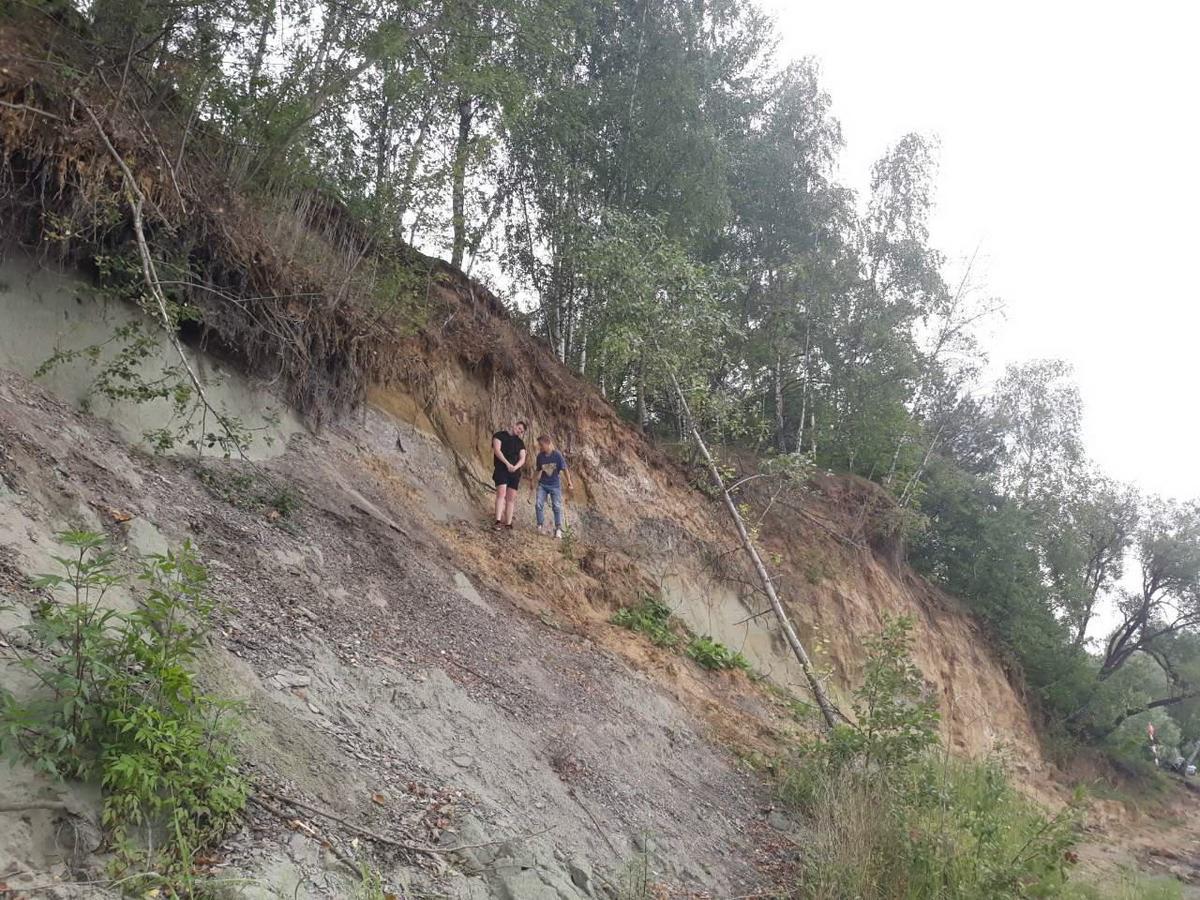 Геологическая практика или незабываемые приключения в горах 23_oni_tuda_dobralis_sdelali_izmeritelnyh_raboty_otobrali_obrazcy_a_my_zafiksirovali._oni_molodcy_nastoyashchie_geologi.jpg