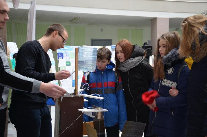 В ГГТУ имени Сухого начала свою работу выставка, приуроченная ко Дню науки