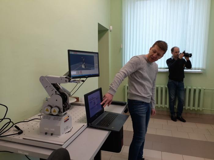 Машиностроительный факультет провел занятия по робототехнике для юных инженеров