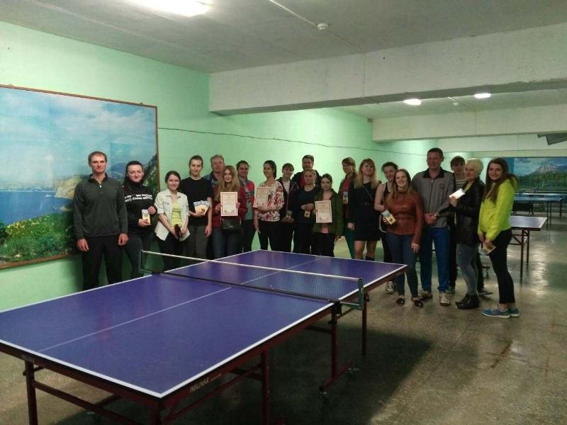 Поздравим команду машиностроительного факультета с первым местом в соревновании по настольному теннису